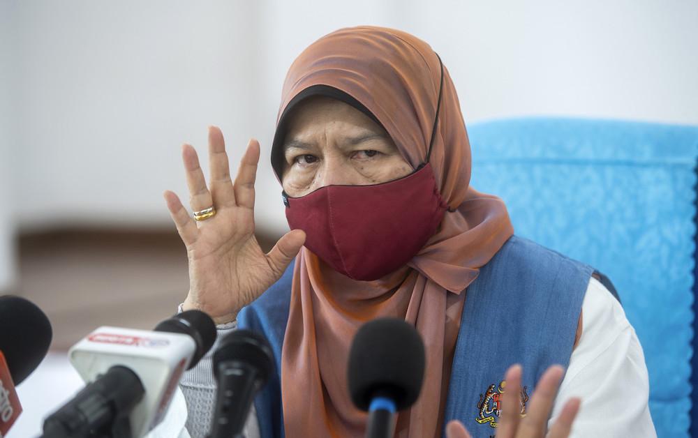 Datuk Zuraida Kamaruddin speaks at a press conference in Bukit Belah, Machang August 7, 2021. — Bernama pic