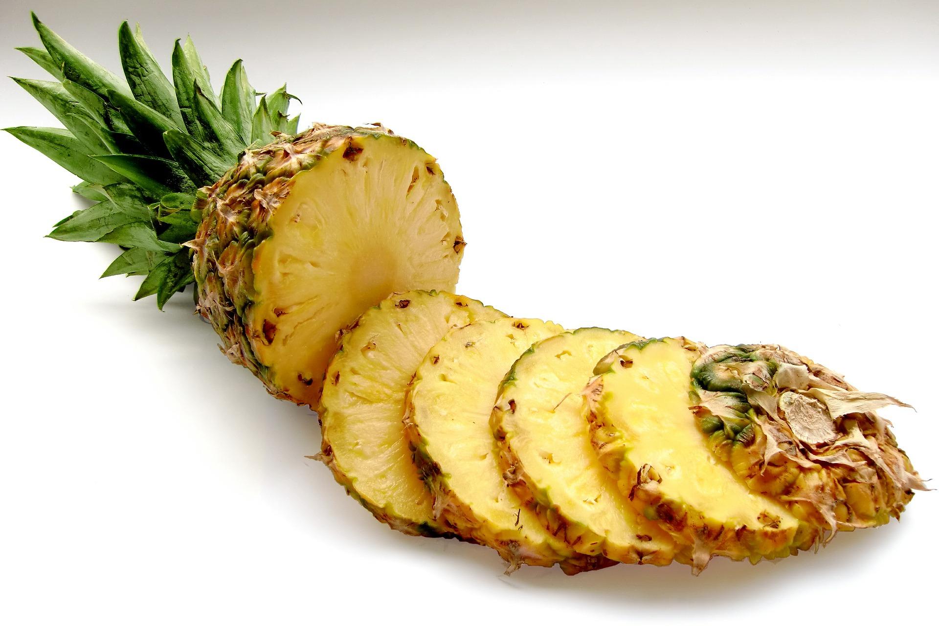 黄梨有丰富的菠萝蛋白酶,可以帮助我们消化。-图取自pixabay-