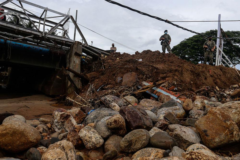 The aftermath of Sungai Bujang after the water column tragedy that struck the vicinity of Gunung Jerai at Tupah, Sungai Petani, Kedah August 23, 2021. — Picture by Sayuti Zainudin