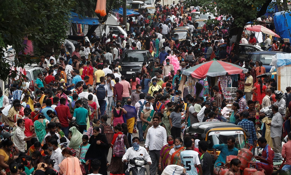 People are seen at a crowded market amidst the spread of Covid-19 in Mumbai, India July 28, 2021. ― Reuters pic