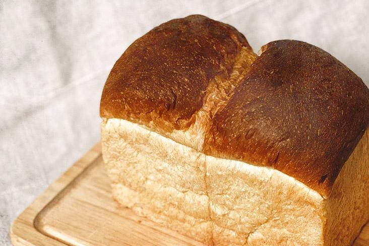 Yes, you can enjoy sourdough Hainanese bread!