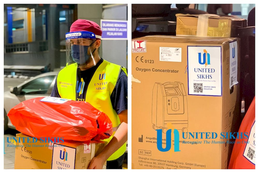 A volunteer member from United Sikhs Malaysia distributing oxygen concentrator to be delivered to citizens isolating at home. — Picture via Facebook/UNITEDSIKHMalaysia