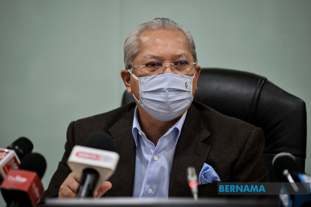Federal Territories Minister Tan Sri Annuar Musa said when there are many inaccurate reports on the issue, there will surely be parties who will try to exploit the situation.  — Picture via Twitter/Bernama