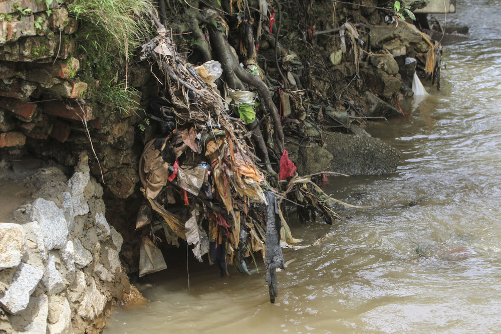 A Kampung Bukit Pulai resident said the latest pollution in Sungai Kim Kim on July 28 was allegedly caused by waste from a sewage treatment plant. — Bernama pic