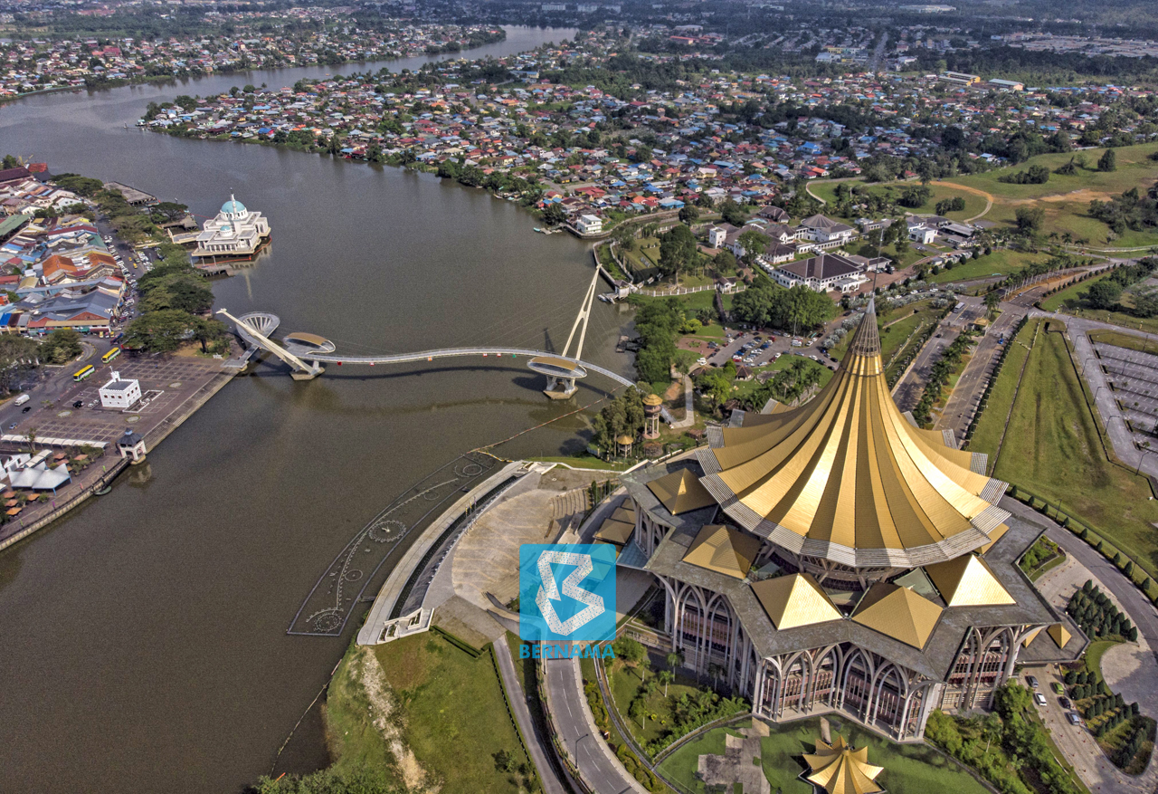 Travellers allowed to enter Sarawak must also undergo RT-PCR test three days prior to travel. — Bernama file pic