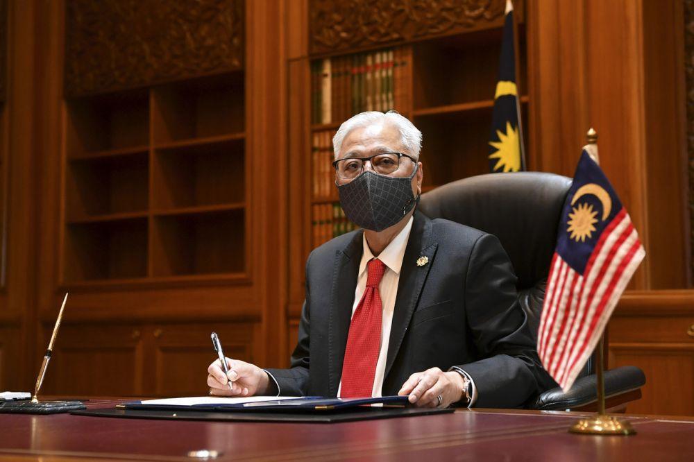 Datuk Seri Ismail Sabri Yaakob begins his official duty as the ninth prime minister of Malaysia at Perdana Putra, Putrajaya August 23, 2021. — Bernama pic