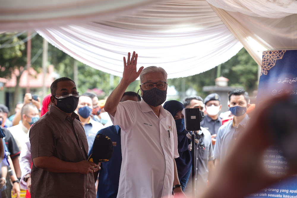 Political analysts believe Prime Minister Datuk Seri Ismail Sabri Yaakob's choice of members of his Cabinet is driven by the need to prevent further political tension. — Picture by Sayuti Zainudin