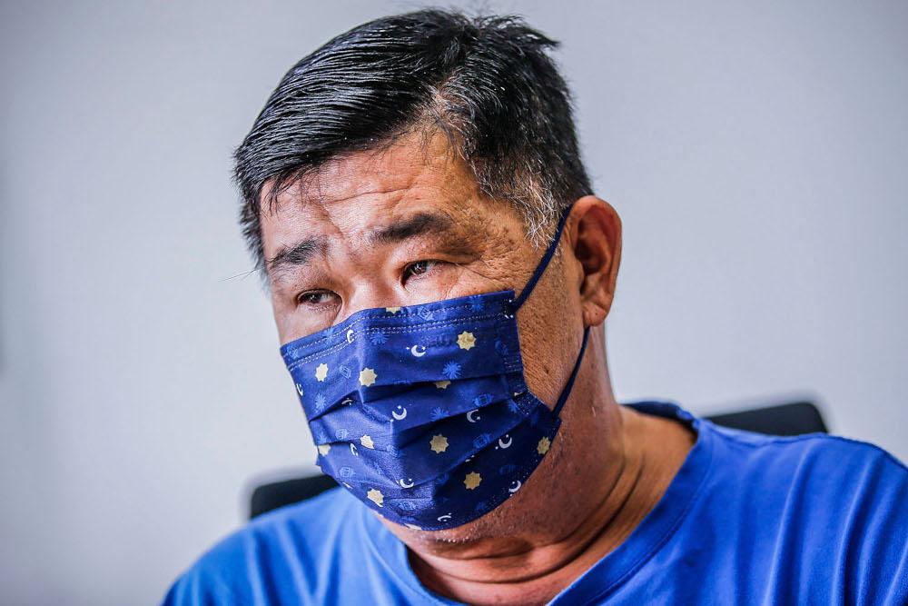 Social activist Kuan Chee Heng, popularly known as Uncle Kentang hopes Malaysians remain united to end the Covid-19 war. — Picture by Hari Anggara