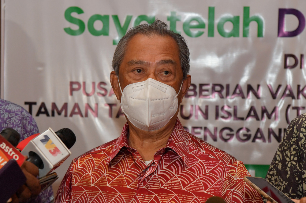 National Recovery Council (MPN) chairman Tan Sri Muhyiddin Yassin has asked the Education Ministry (MoE) and the Ministry of Higher Education (MoHE) to present assessment reports. — Bernama file pic