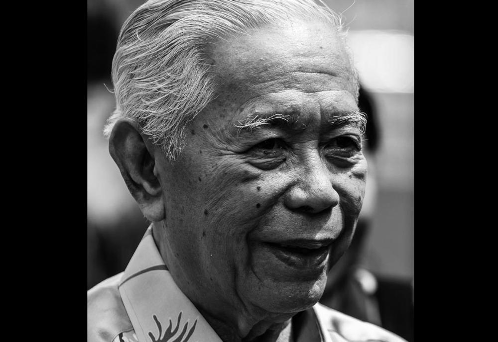 Tun Sakaran Dandai died at Gleaneagles Hospital here at 5.30am due to Covid-19. — Picture via Facebook