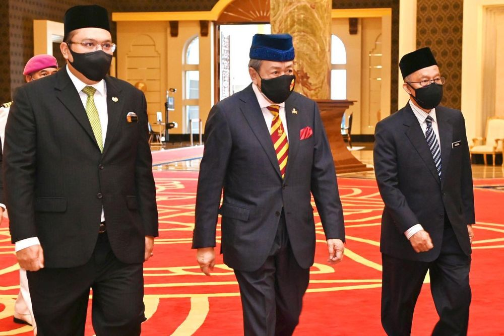 Sultan Sharafuddin Idris Shah (centre) arrives for a special meeting between Malay Rulers at Istana Negara, Kuala Lumpur August 21, 2021. ― Picture via Facebook