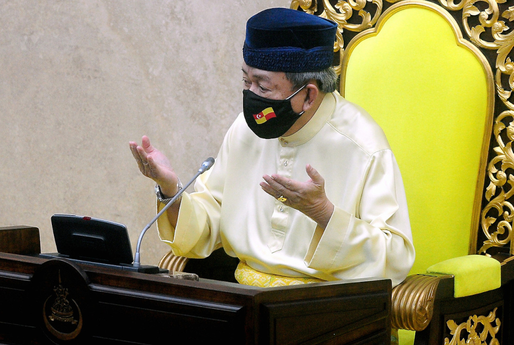 Sultan Sharafuddin at the first meeting for the fourth-term of the 14th Selangor legislative assembly in Shah Alam August 23, 2021. — Bernama pic