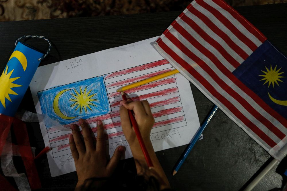 Judge Datuk Akhtar Tahir yesterday ruled that children born overseas to Malaysian mothers with foreign spouses should be automatically conferred Malaysian citizenship. — Picture by Sayuti Zainudin