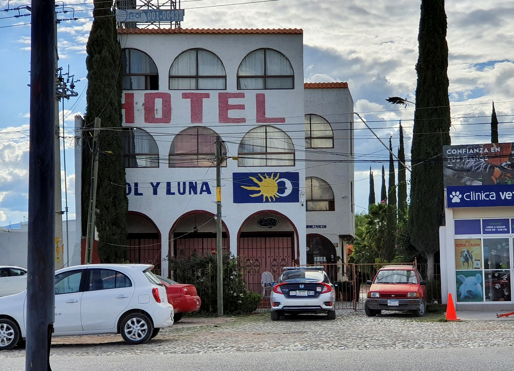 A police patrol car is parked outside the Sol y Luna hotel after gunmen stormed the hotel and kidnapped some 20 foreigners believed to be mostly from Haiti and Venezuela in Matehuala, in San Luis Potosi state, Mexico September 14, 2021. ― Reuters pic