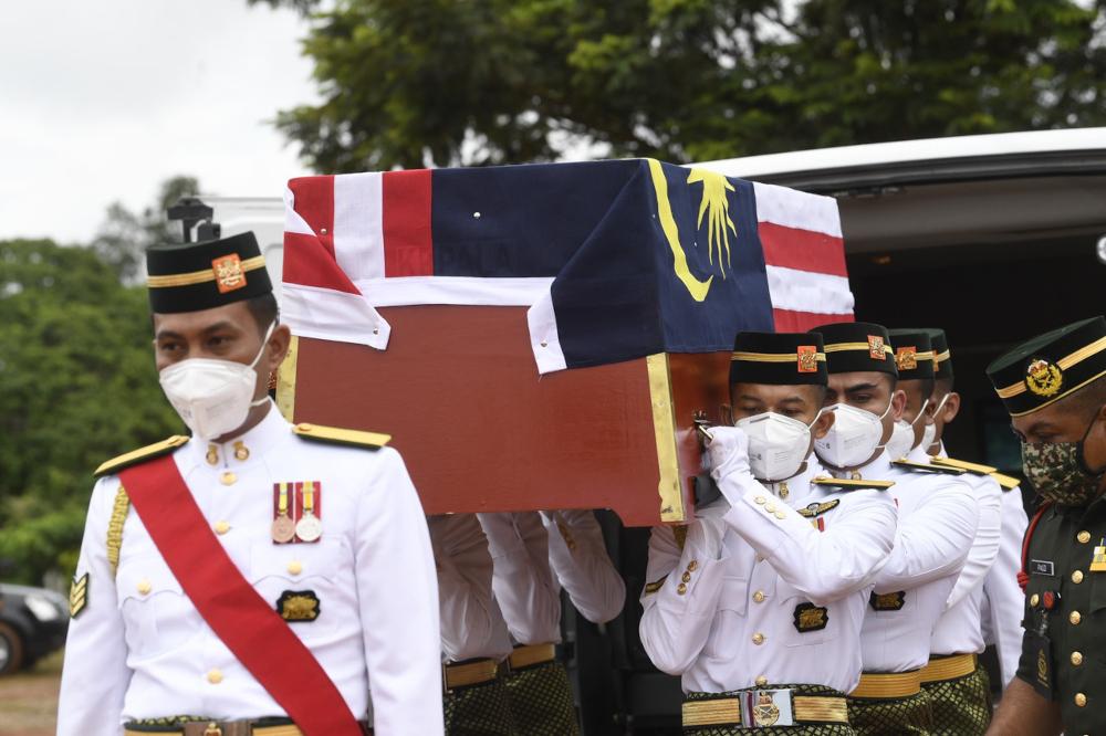 The remains of Lance Corporal Mohamad Azrin Mohamad Isa arrives at the Kampung Pinang Dalam Islamic Cemetery in Sungai Petani, September 2, 2021. — Bernama pic