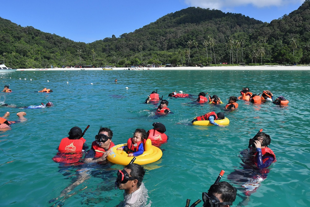 Tourists return to Pulau Redang as Terengganu enters Phase Three of the National Recovery Plan, September 17, 2021. ― Bernama pic
