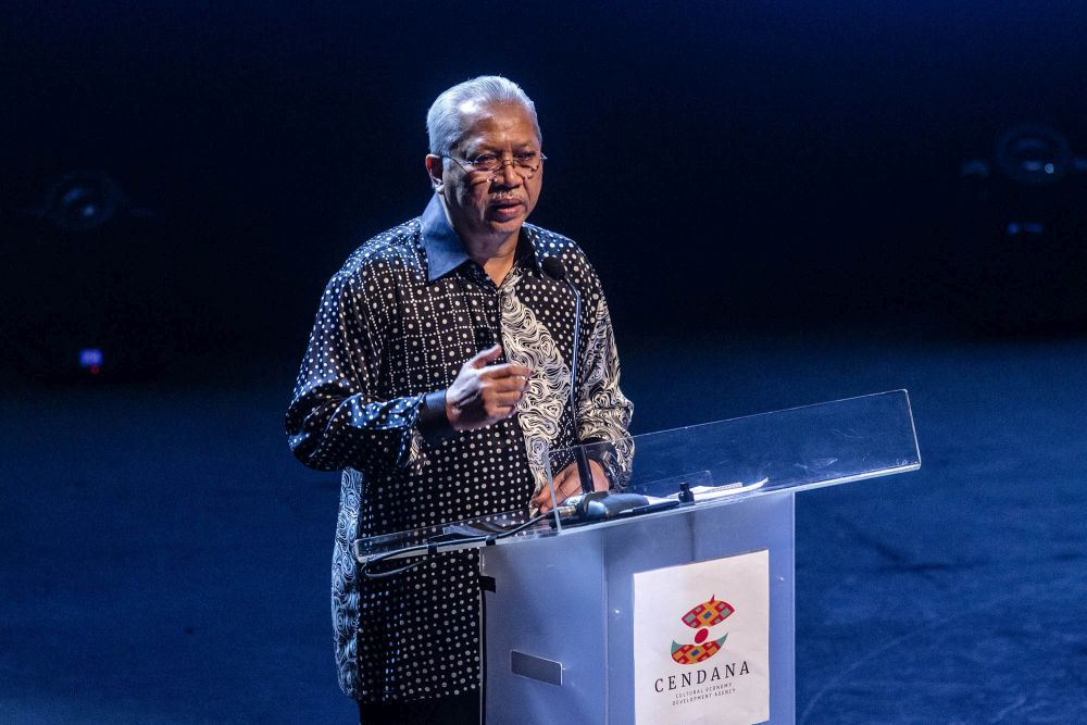 Communications and Multimedia Minister Tan Sri Annuar Musa speak at the launch of 'Cendana Art in The City 2021' in Kuala Lumpur September 30, 2021. ― Picture by Firdaus Latif