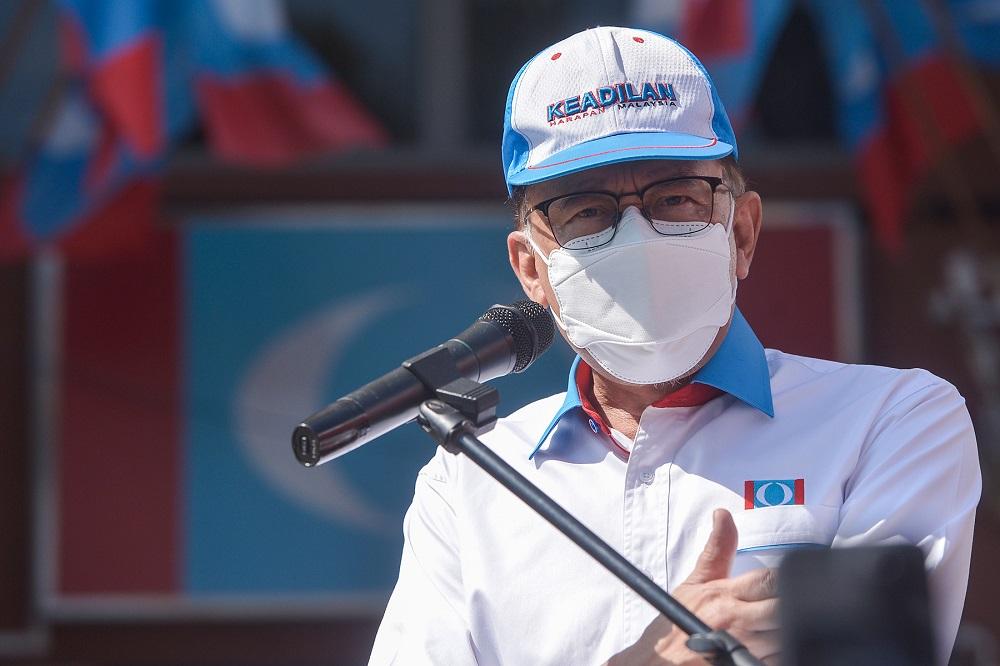 PKR president Datuk Seri Anwar Ibrahim speaks during launch of the 'Jelajah Peduli Rakyat' national tour in Petaling Jaya September 17, 2021. ― Picture by Miera Zulyana