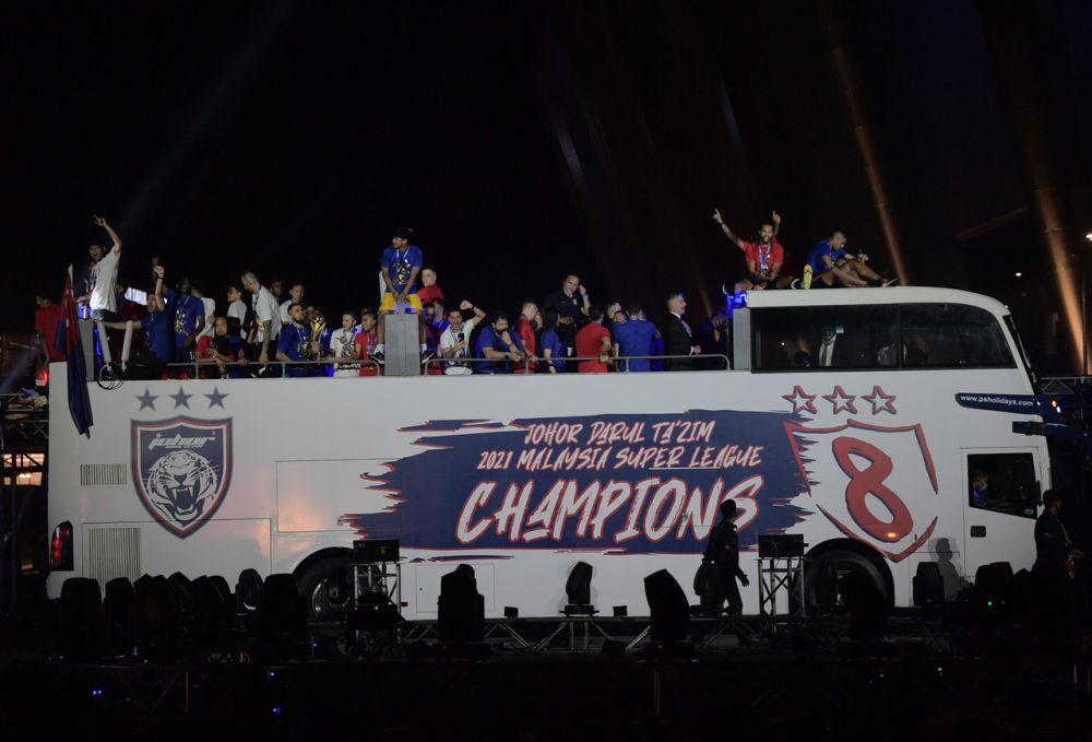 Johor Darul Ta'zim celebrate their Malaysian Super League victory on an open-top bus at the Sultan Ibrahim Stadium in Iskandar Puteri September 12, 2021. — Bernama pic