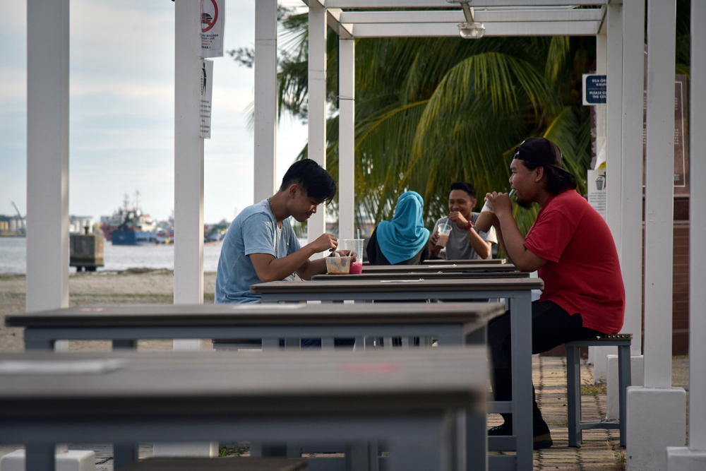 SDMC in a statement said operators, workers and patrons must have received two doses of vaccines against Covid-19 infections as a mandatory requirement for dine-in. — Bernama pic