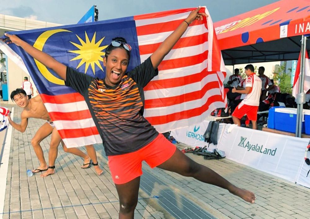 Pavinya after competing as part of the underwater hockey team at the 2019 SEA Games at the Philippines, then aged 18. — Picture courtesy of R. Pavinya
