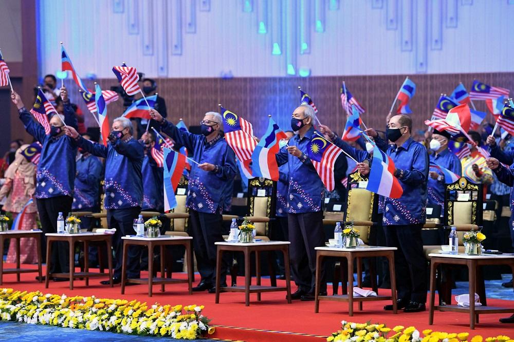 Prime Minister Datuk Seri Ismail Sabri Yaakob attends the Malaysia Day celebration at the Sabah International Convention Centre (SICC) in Kota Kinabalu, September 16, 2021. Also present is Sabah Chief Minister Datuk Hajiji Noor. — Bernama pic