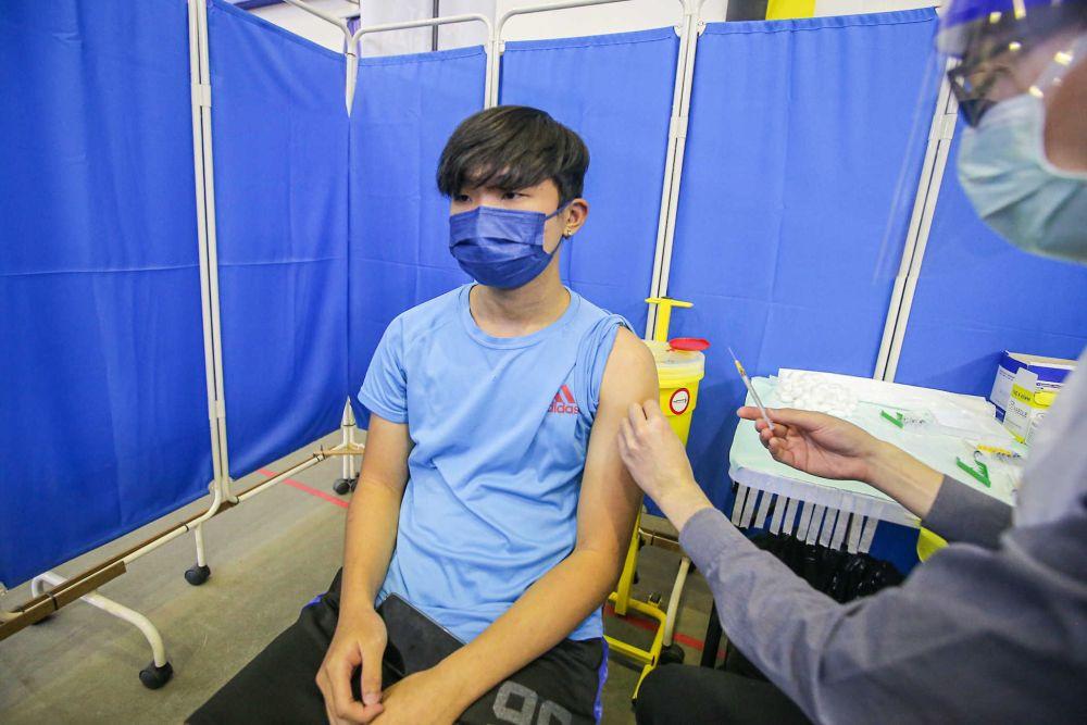 从9月23日起,12岁至17岁的青少年可直接登门接种新冠疫苗。-Farhan Najib摄-