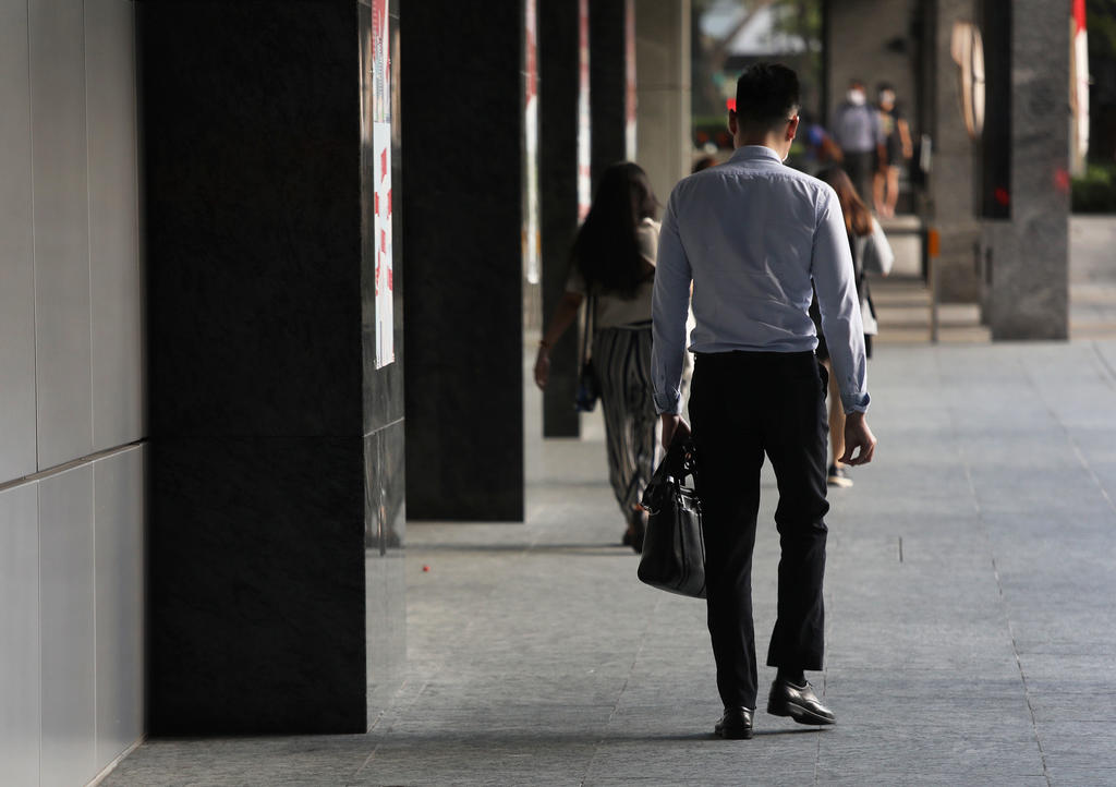 Some 87,300 residents including 77,200 citizens were unemployed in July 2021, the Ministry of Manpower said. ― TODAY pic