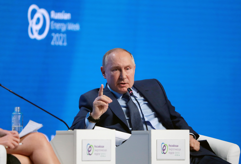 俄罗斯总统普京认为,中国不需要使用武力来实现统一目标,靠经济实力就可办到。-路透社-