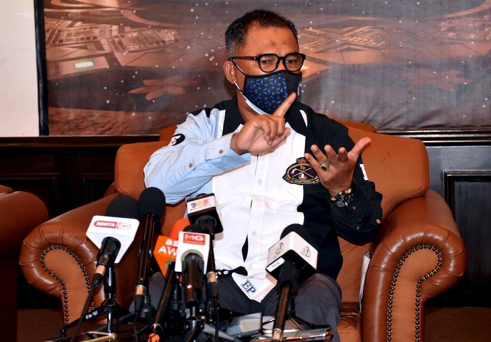 Sungai Udang assemblyman Datuk Seri Idris Haron was Melaka chief minister from May 2013 to May 2018.  — Bernama pic