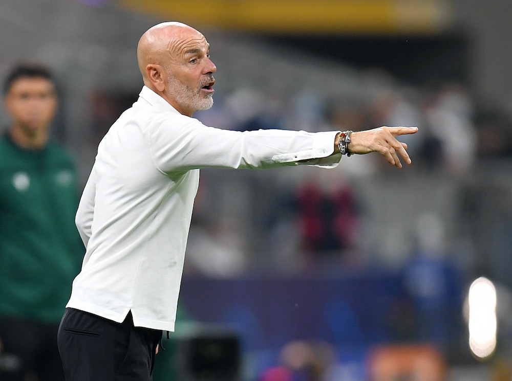 AC Milan coach Stefano Pioli gives instructions to his players during the Champions League against Atletico Madrid at the San Siro Stadium in Milan, September 28m 201. ― Reuters pic