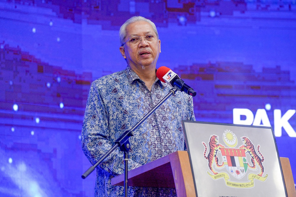 Communications and Multimedia Minister Tan Sri Annuar Musa speaks during the launch of the Malaysian Family Youth and Device Packages in Putrajaya October 14, 2021. ― Picture by Shafwan Zaidon