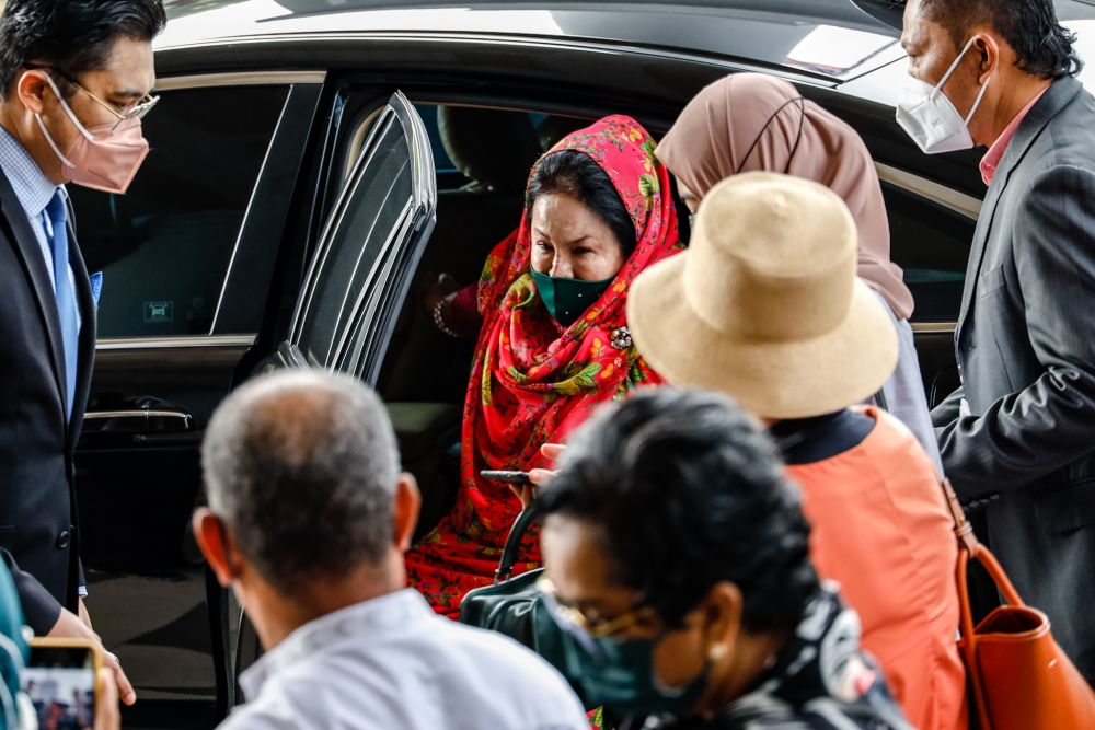 In this trial, Datin Seri Rosmah Mansor is facing several charges, including allegedly receiving a RM5 million bribe and a RM1.5 million bribe from Jepak Holdings and Saidi, on December 20, 2016. — Picture by Firdaus Latif