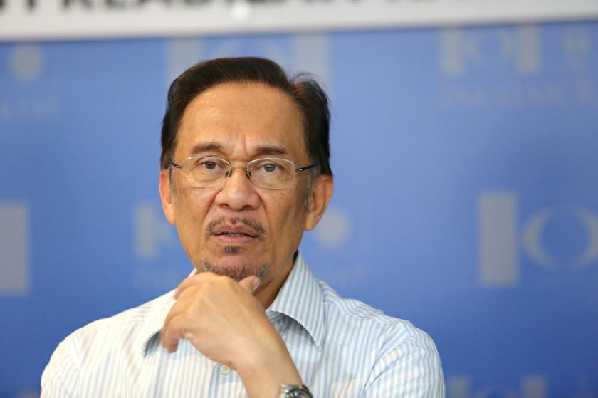 The Prisons Department today said Datuk Seri Anwar Ibrahim will be released from prison on June 8, two days ahead of schedule. — Picture by Choo Choy May