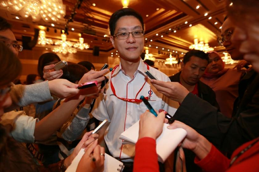 DAP lawmaker Zairil Khir Johari urges the government to lift its restrictions on all publications and 'to immediately end the intellectual persecution of Malaysians'. — Picture by Saw Siow Feng