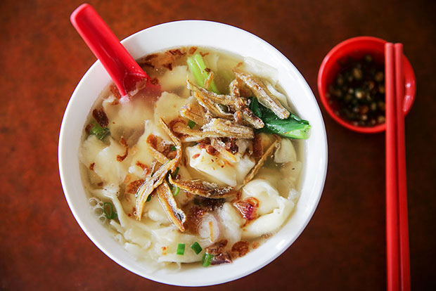 Look for the silkiest mee hoon kueh with a sweet tasting broth from Kah Ping