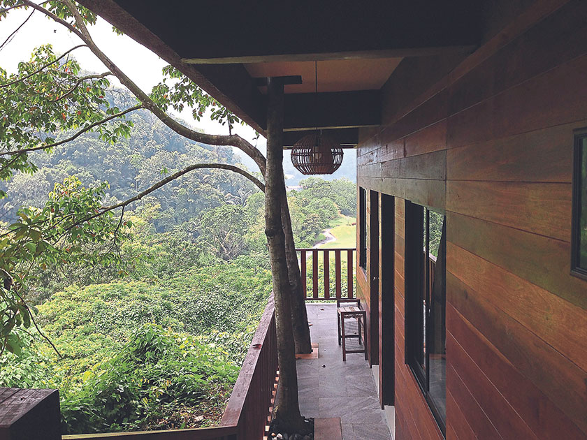 The guest house is built of tropical wood and can sleep a minimum of 16 persons.