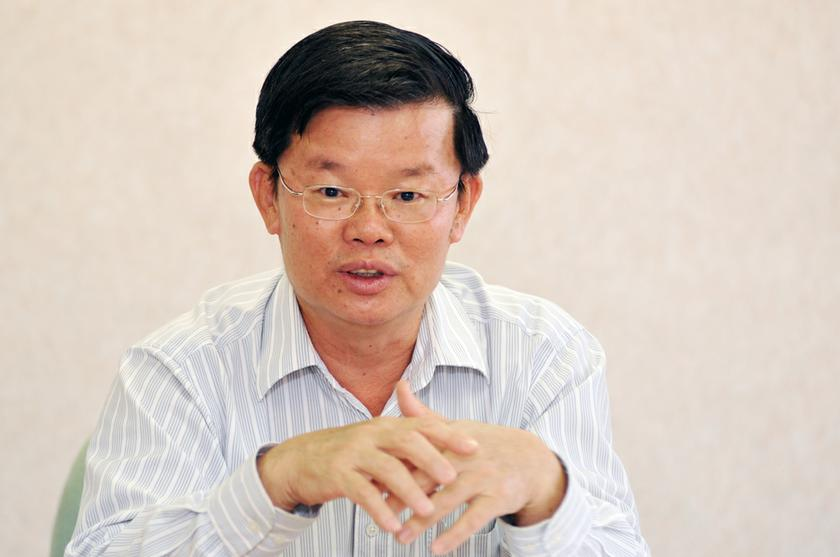 Penang's Local Government, Traffic Management and Flood Mitigation Committee chairman Chow Kon Yeow said the reclamation activities planned in the state would continue but its implementation would be done in phases. — Picture by K.E. Ooi