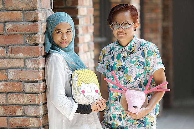 Ichie Imran and Fya Zainal spent hours on making crafts and all things D-I-Y. — Pictures by Choo Choy May