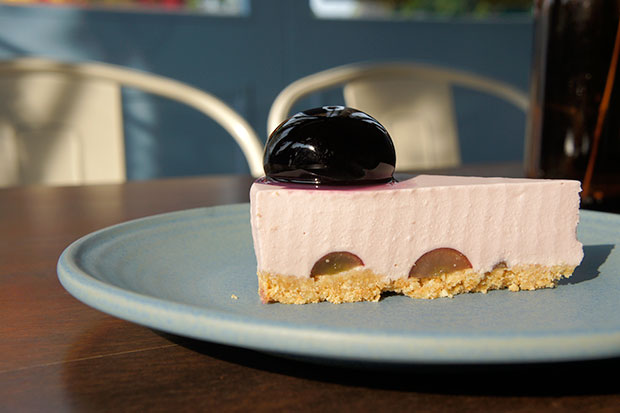 With fresh grapes and a chewy grape jelly, this is one of aboutBLUE's most popular cheesecakes.
