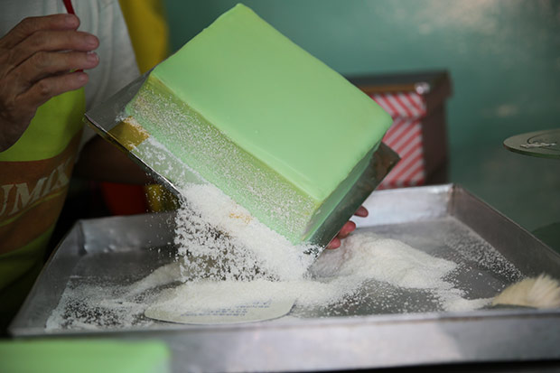 If you prefer, they can dust the sides of the pandan layer cake with dessicated coconut.