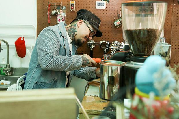 Barista-bartender Unagi at his standing café-bar Piu Piu Piu.