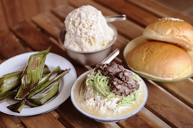 Order ais kacang or cendol to go with homemade buns and Nyonya kuih