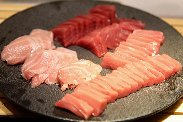 Fresh tuna sashimi carved from the whole bluefin tuna fish at Sushi Ryu's grand opening
