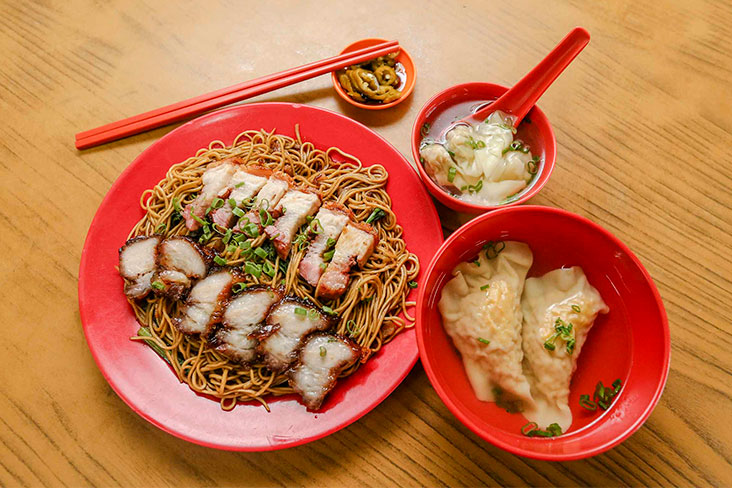 Pair your plate of wantan mee with siu gao and a bowl of wantans.