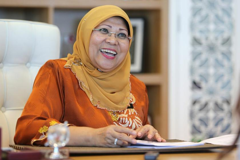 Rohani said the UN has projected that Malaysia's national fertility rate will fall to 1.91 children per household by 2020. —File picture by Choo Choy May