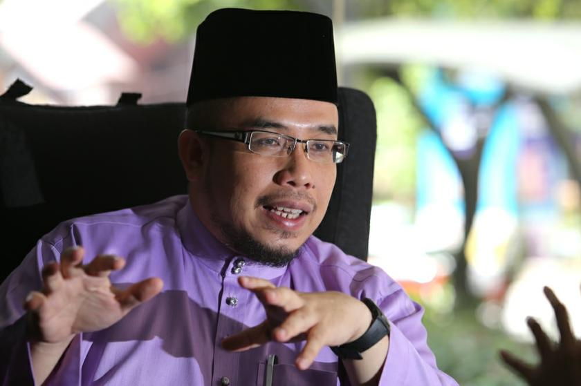 Ex-mufti Datuk Dr Mohd Asri Zainul Abidin asserts Hitler 'might have been right' in exterminating the Jews. – Picture by Choo Choy May