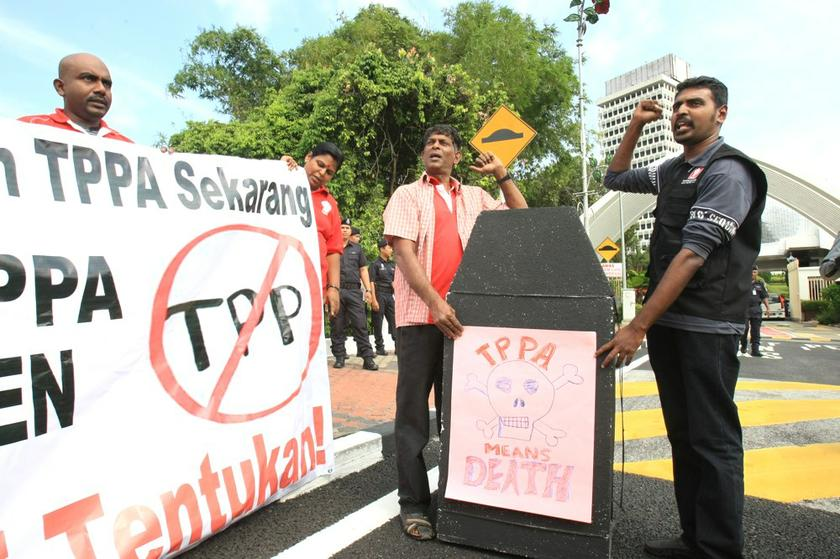 Local critics including former prime minister Tun Dr Mahathir Mohamad are staunchly against the TPPA, with the senior politician saying that the deal would cost Malaysia its sovereignty. ― File pic