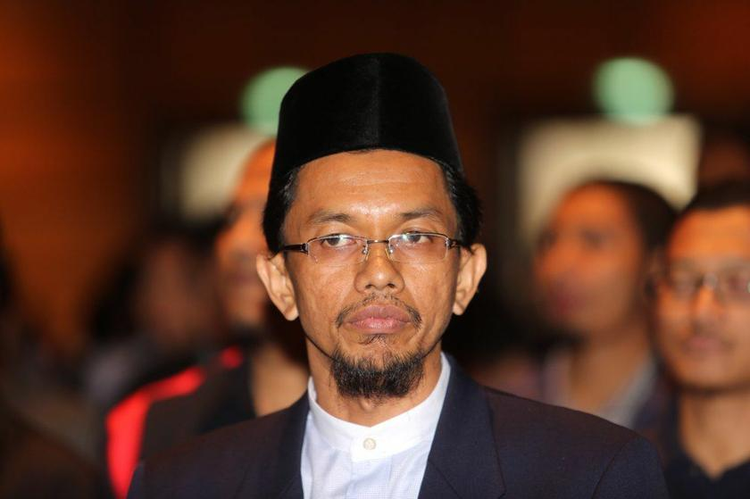 Hazizi said that campaigns such as 'I'm Muslim, I love Hindus', which claim to push for multi-religious harmony, are largely backed by foreign funders to convince Muslims that other religions are equal to Islam. — Picture by Choo Choy May