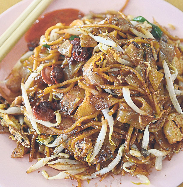 Although this plate of char kway teow from Chor Kee is not as good as the rest, the memories of having this right after tuition class is priceless